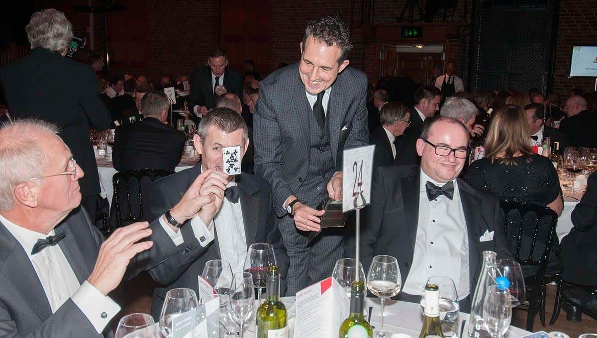 Nick Reade: London-based International Corporate Magician
